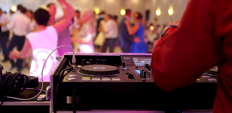 Opłaty Za Muzykę Na Weselu Zaiks I Inne Organizacje Kto Ponosi